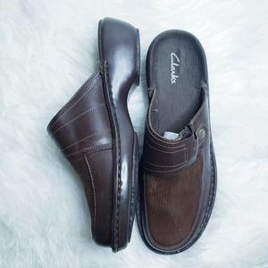 Clarks brown leather slides mules clogs